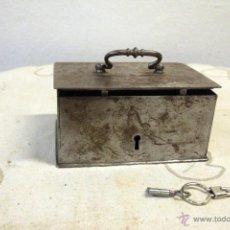 Antigüedades: ANTIGUA CAJA FUERTE ACERO CON LLAVE. Lote 47887153