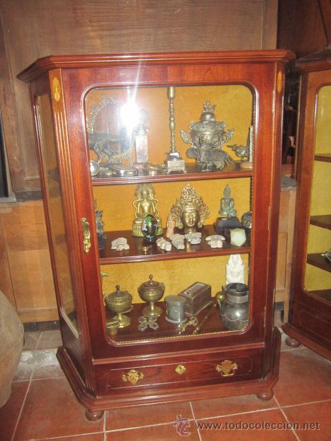 Antigüedades: Vitrina baja estilo ingles, con marquetería, con un cajón en la parte inferior. - Foto 2 - 26581024