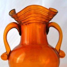 Antigüedades: GRAN JARRON DE CRISTAL SOPLADO DE MALLORCA * CRISTAL MALLORQUIN * AMBAR * CARAMELO * 22 CM ALTO. Lote 47920145