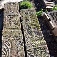 Antigüedades: PECIOSA PAREJA DE COLUMNAS O CONTRAFUERTES DE PARED.. Lote 47949853