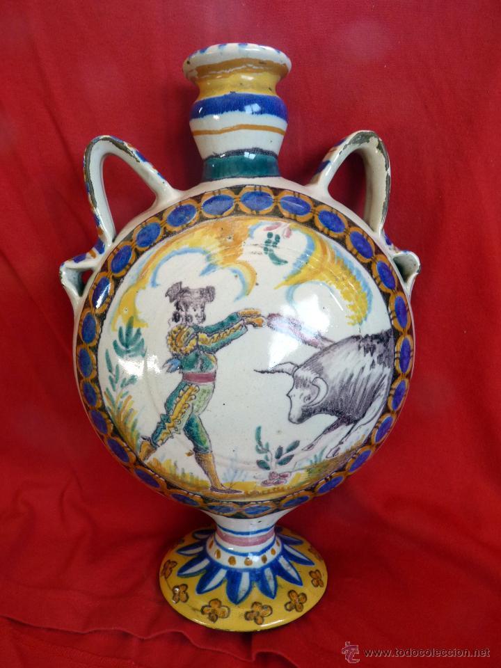 IMPRESIONANTE BOTIJA CERÁMICA DE TRIANA SIGLO XIX TOROS (Antigüedades - Porcelanas y Cerámicas - Triana)
