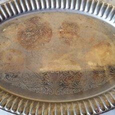 Antigüedades: ANTIGUA BANDEJA DE ALPACA,. Lote 47993718