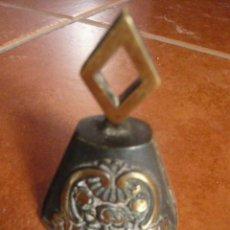 Antigüedades: ANTIGUA CAMPANILLA DE BRONCE - RARO. Lote 48040130