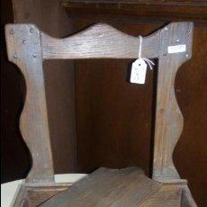 Antigüedades: MUEBLE DE MADERA MUY ANTIGUO,PEQUEÑO PARA SAL. Lote 48107661