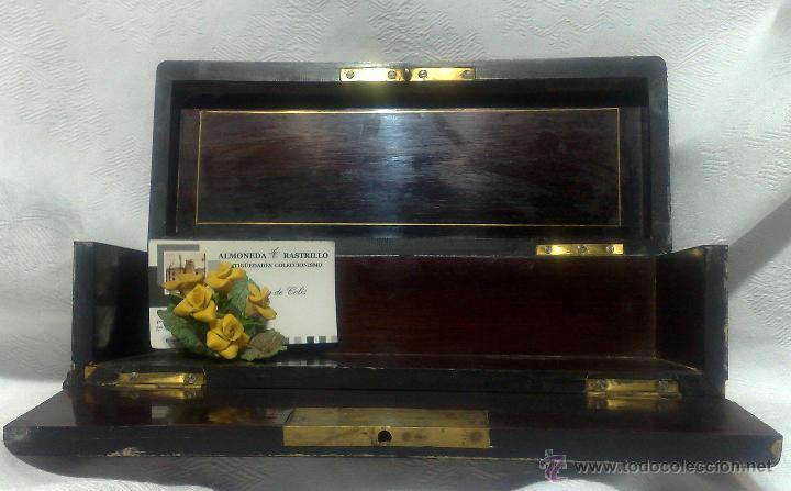 Antigüedades: ANTIGUA CAJA EN MADERAS NOBLES CON DECORACIÓN DE TARACEA. - Foto 12 - 48140726
