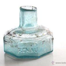 Antigüedades: ANTIGUO TINTERO EN VIDRIO VERDE CON LETRAS GRABADAS RENAU. Lote 48157210