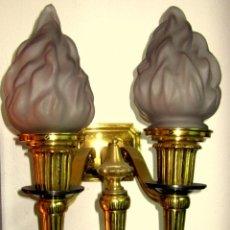 Antigüedades: GRAN APLIQUE DE BRONCE Y FLAMAS DE CRISTAL. Lote 48185599