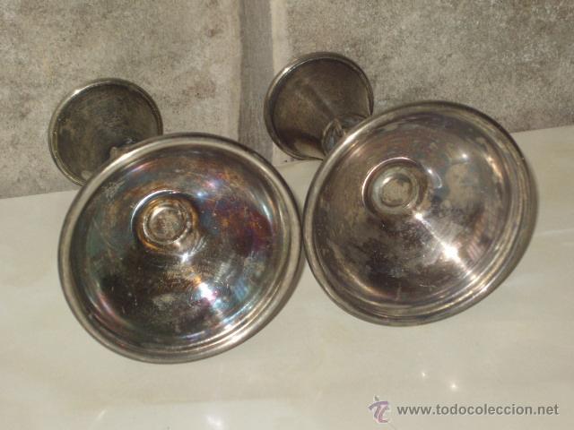 Antigüedades: JUEGO DE PORTAVELAS DE ALPACA,REALCE RACIMO DE UVAS. COPAS - Foto 5 - 161015428