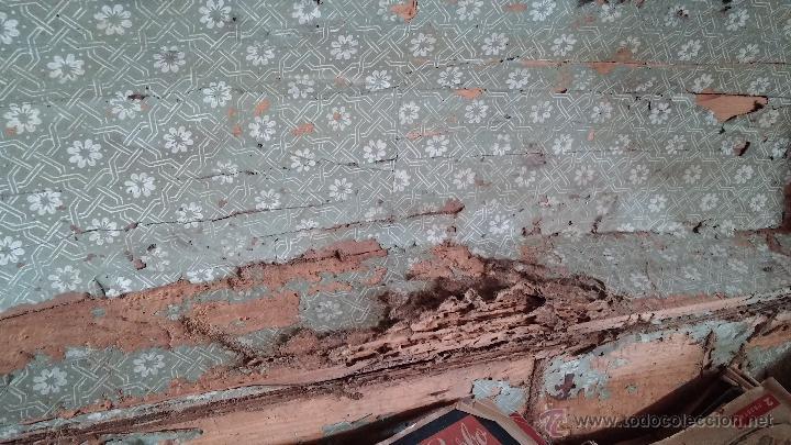 Antigüedades: Muy antiguo y raro baúl de viaje para restaurar, hecho en madera y refuerzos de chapa - Foto 11 - 48217705