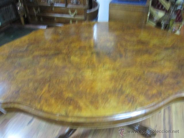 Antigüedades: Antigua mesa de comedor en madera de raíz. El tablero se gira y puede quedar vertical. - Foto 2 - 48223808