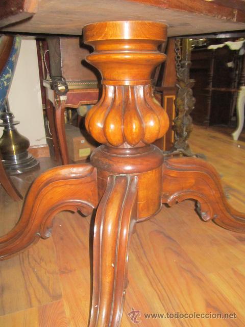 Antigüedades: Antigua mesa de comedor en madera de raíz. El tablero se gira y puede quedar vertical. - Foto 4 - 48223808