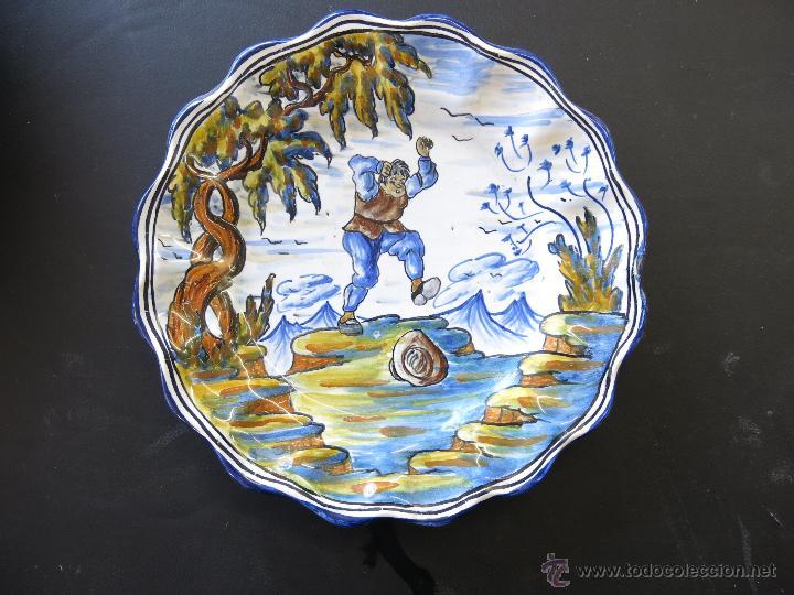 PLATO TALAVERA FIRMADO, NUMERO 25. (Antigüedades - Porcelanas y Cerámicas - Talavera)