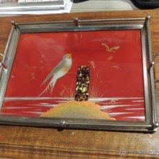 Antigüedades: BANDEJA DE CRISTAL PINTADO Y METAL CON ASAS. Lote 48264031