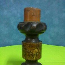Antigüedades: VELERO CANDELERO MADERA Y CUERO. Lote 48272063
