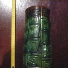 Antigüedades: JARRON DE CERÁMICA DE LA BISBAL DE AUTOR, FIRMADA VILA CLARA, AÑOS 70. Lote 48283496