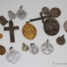 Antigüedades: LOTE DE 19 MEDALLAS RELIGIOSAS. DIFERENTES MATERIALES. ESPAÑA. SS. XIX-XX. Lote 48315522