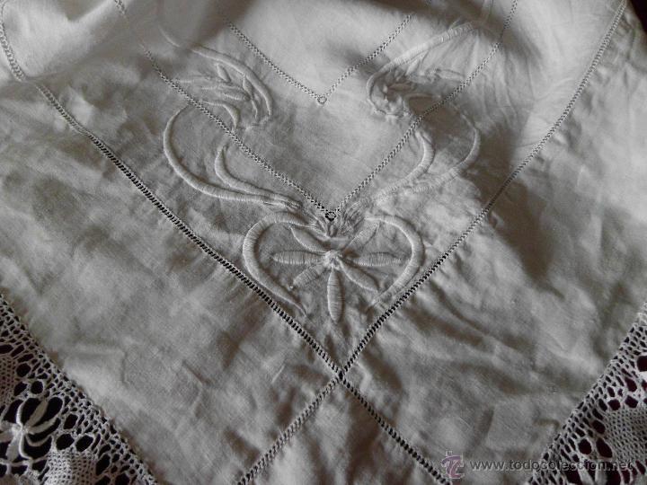 Antigüedades: Antigua sábana de Lino con Iniciales bordadas a mano - Foto 2 - 131438375