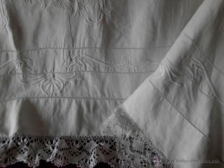 Antigüedades: Antigua sábana de Lino con Iniciales bordadas a mano - Foto 18 - 131438375