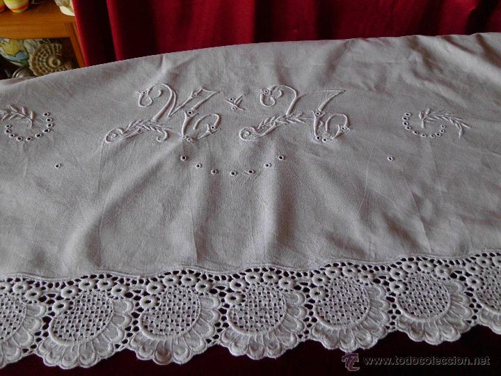 Antigüedades: Antigua sábana de algodón con bordado Suizo hecho a mano - Foto 2 - 48325956