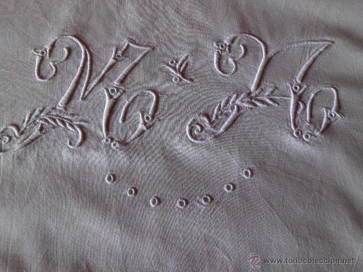 Antigüedades: Antigua sábana de algodón con bordado Suizo hecho a mano - Foto 4 - 48325956