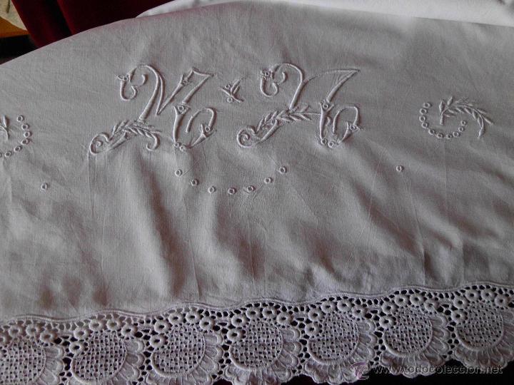Antigüedades: Antigua sábana de algodón con bordado Suizo hecho a mano - Foto 5 - 48325956