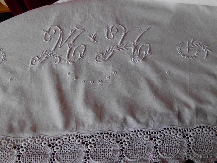 Antigüedades: Antigua sábana de algodón con bordado Suizo hecho a mano - Foto 6 - 48325956