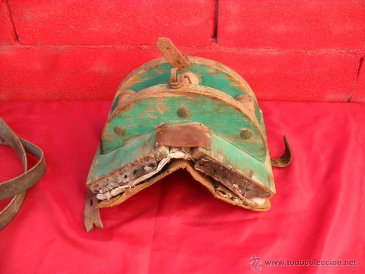 Antigüedades: bonita y singular silla para burro,tiene rodamientos en madera - Foto 3 - 48347519