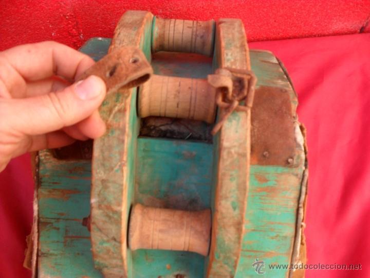 Antigüedades: bonita y singular silla para burro,tiene rodamientos en madera - Foto 4 - 48347519