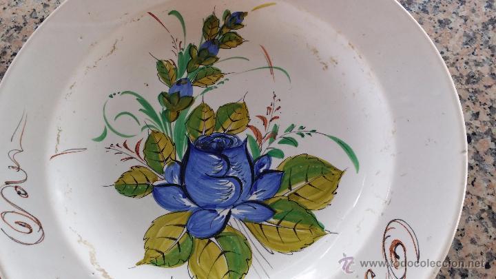 Antigüedades: antiguo plato de lario firmado y pintado a mano - Foto 2 - 48358328