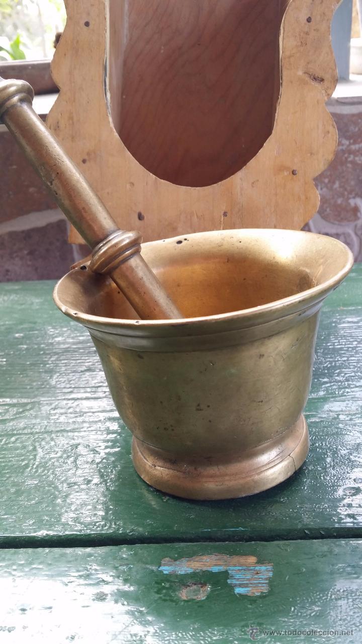 Antigüedades: antiguo almirez, con soporte de madera. - Foto 2 - 48358562