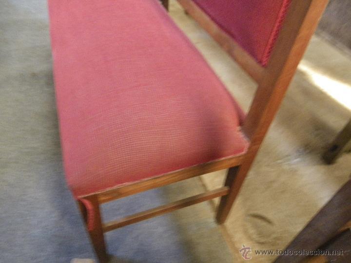 Antigüedades: ESPECTACULAR BANCO TODO DE MADERA DE CEREZO ANTIGUO Y tapizado - Foto 4 - 48361707