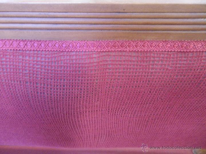 Antigüedades: ESPECTACULAR BANCO TODO DE MADERA DE CEREZO ANTIGUO Y tapizado - Foto 6 - 48361707