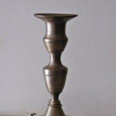 Antigüedades: CANDELABRO DEL S. XVIII EN LATÓN.. Lote 48368690