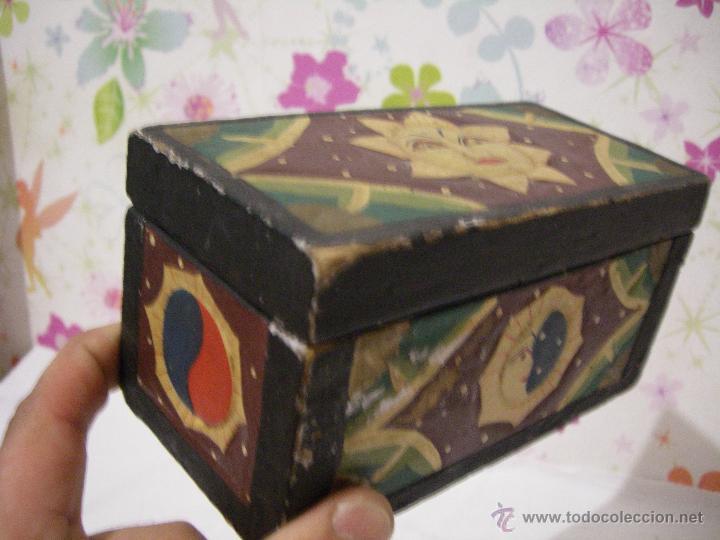 antigua caja artesana madera tallada india pintada a mano medidasxx mm