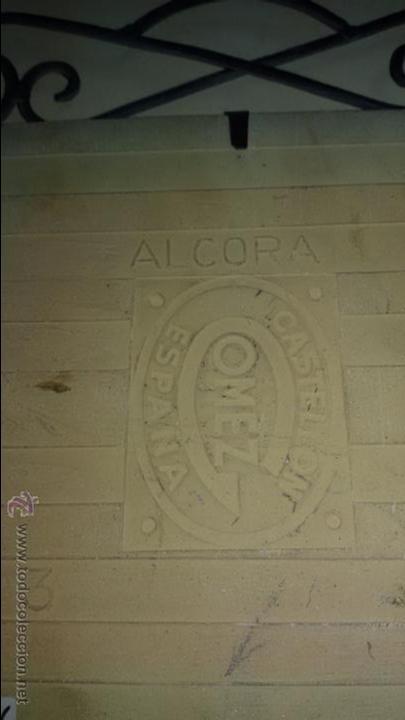 Antigüedades: AZULEJO DE CERÁMICA ALCORA CON REPRESENTACION DE CHULAPOS . ENMARCADO - Foto 3 - 48370962