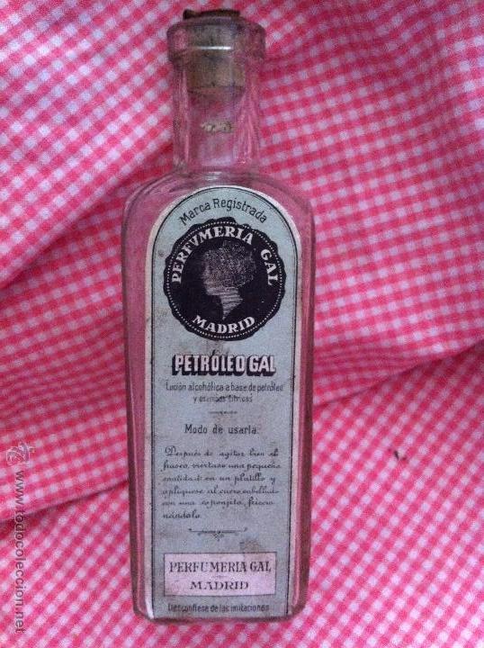 ANTIGUA BOTELLITA DE PETROLEO GAL DE PERFUMERÍA GAL (Antigüedades - Cristal y Vidrio - Farmacia )