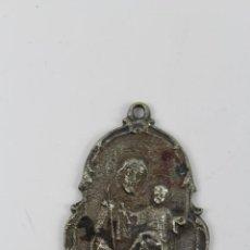Antigüedades: M-86.ANTIGUA MEDALLA DE SAN JOSE CON EL NIÑO. EN METAL PLATEADO. Lote 48401043