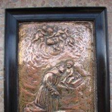 Antigüedades: PLACA ANTIGUA DE METAL. SAN ANTONIO DE PADUA. FIRMADO L. VIANA. Lote 48407066