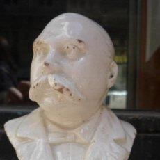 Antigüedades: BUSTO DE EMILIO CASTELAR, POSIBLEMENTE CERÁMICA DE ALCORA. Lote 48415722