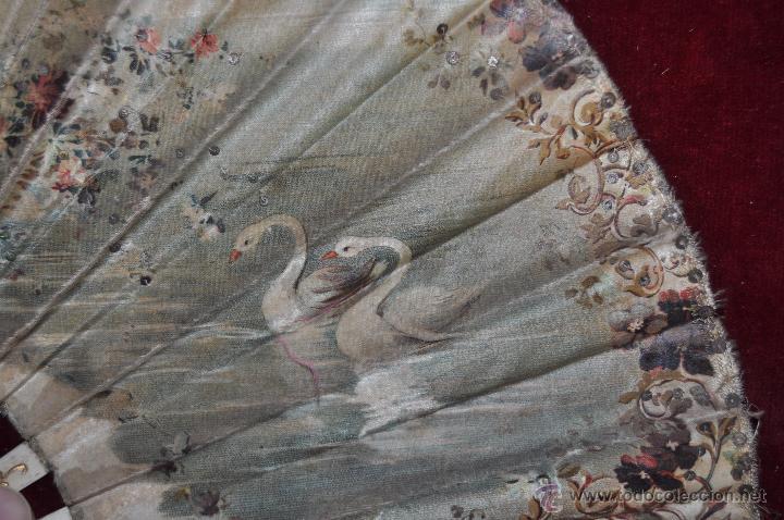 Antigüedades: ABANICO DE PRINCIPIOS DEL S. XX CON PAÍS LITOGRAFIADO SOBRE TELA Y VARILLAJE EN HUESO - Foto 7 - 48421964