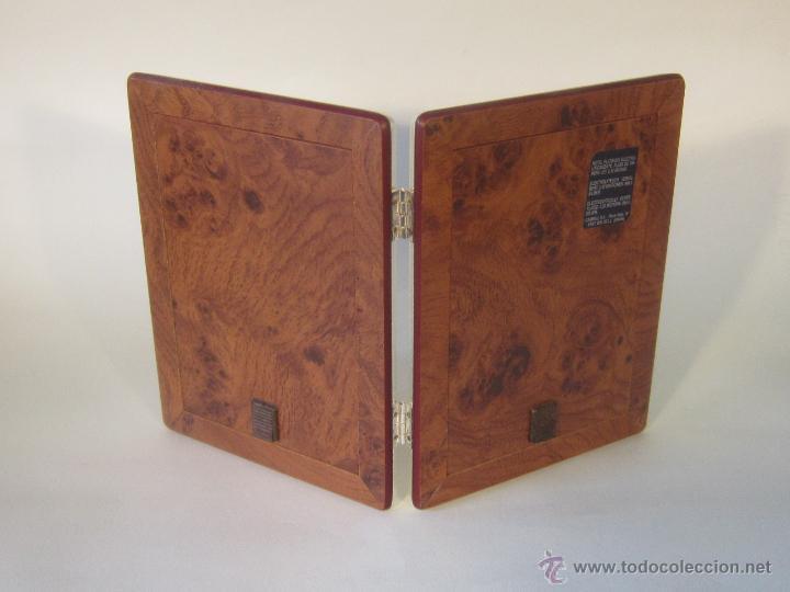 Antigüedades: portafotos doble en metal plateado de cambau - Foto 2 - 48428564