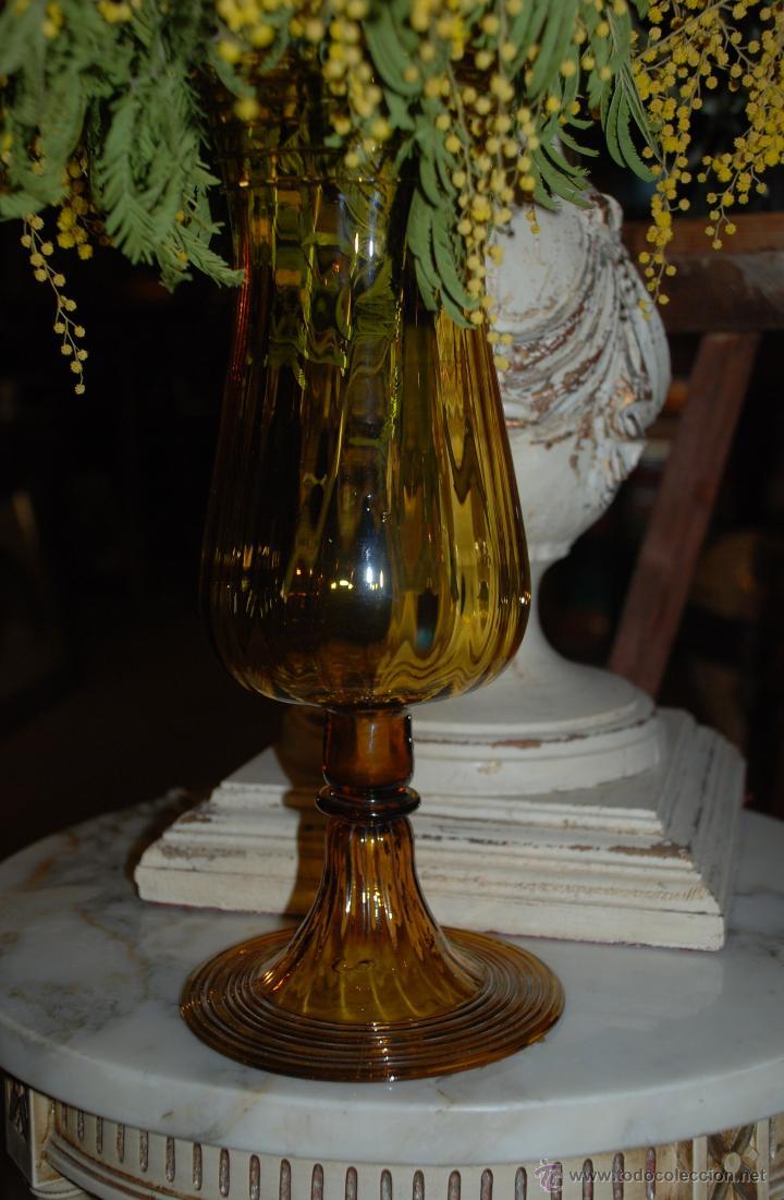 PRECIOSA COPA FLORERO DE CRISTAL ÁMBAR (Antigüedades - Hogar y Decoración - Floreros Antiguos)