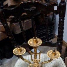 Antigüedades: CANDELABRO CON BAÑO DE ORO DE TRES BRAZOS. Lote 48457601