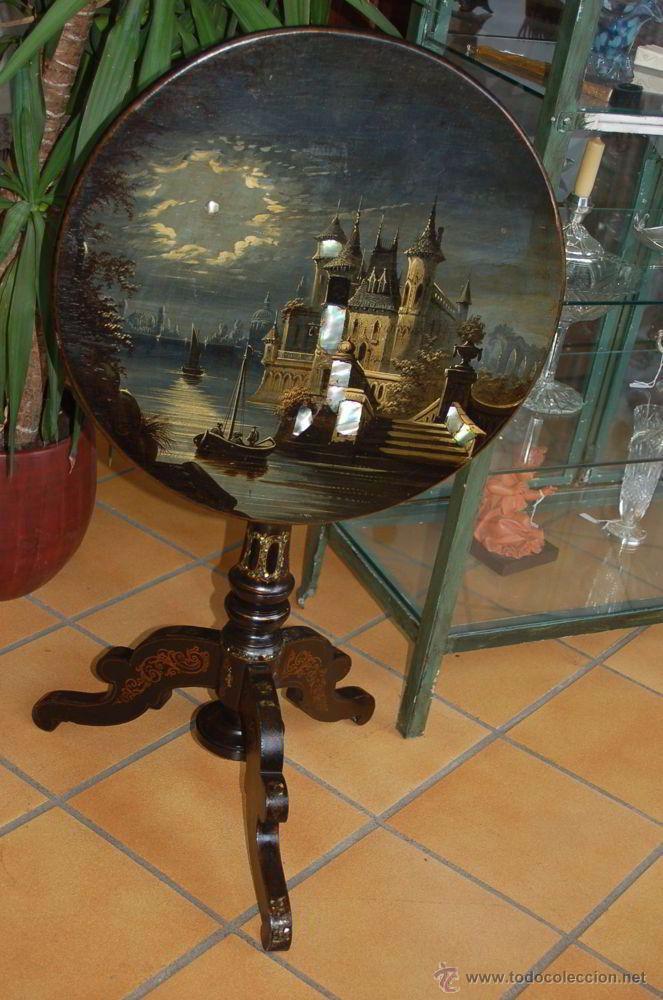 Antigüedades: Mesa de centro plegable con papel mache y incrustaciones de nácar, siglo XIX - Foto 10 - 48517207