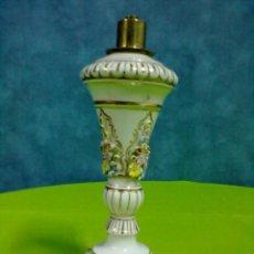 Antigüedades: PIE LAMPARA PORCELANA ¿MEISSEN? PARA ELECTRIFICAR. Lote 48533691