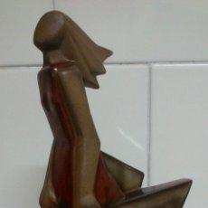 Antigüedades: FIGURA MODERNISTA EN PORCELANA ESPAÑOLA. Lote 48544066