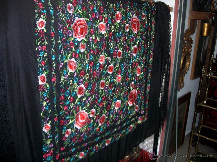 Antigüedades: Bonito manton de manila bordado en seda, siglo XX. - Foto 2 - 48605415