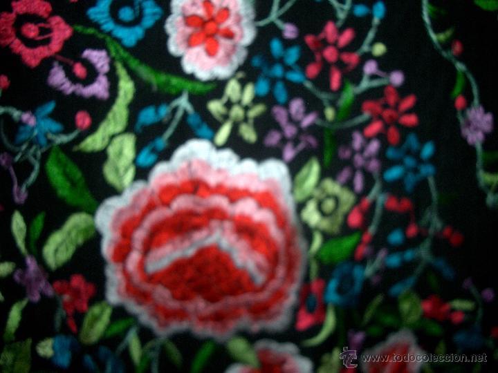 Antigüedades: Bonito manton de manila bordado en seda, siglo XX. - Foto 3 - 48605415