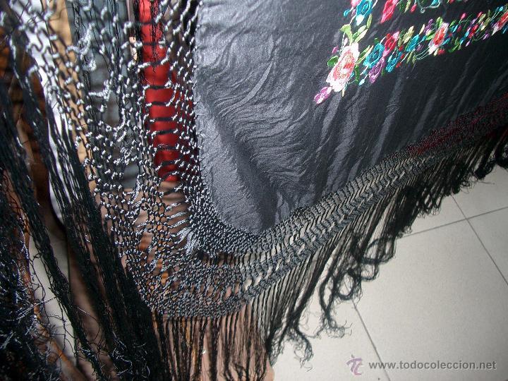 Antigüedades: Bonito manton de manila bordado en seda, siglo XX. - Foto 4 - 48605415