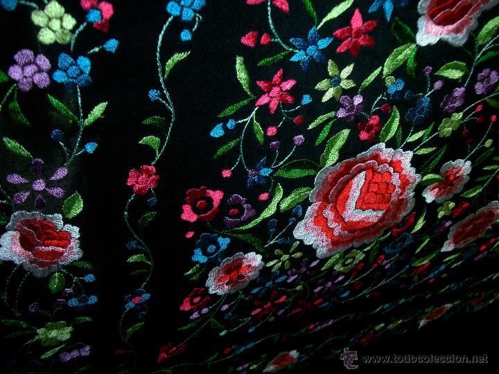 Antigüedades: Bonito manton de manila bordado en seda, siglo XX. - Foto 5 - 48605415